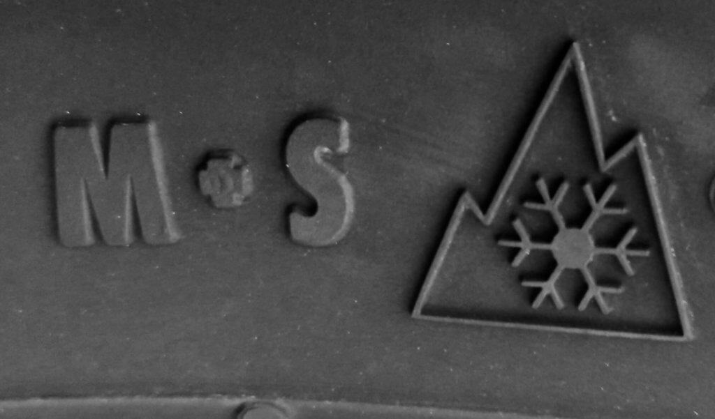 Winterreifen M+S Alpine-Smybol